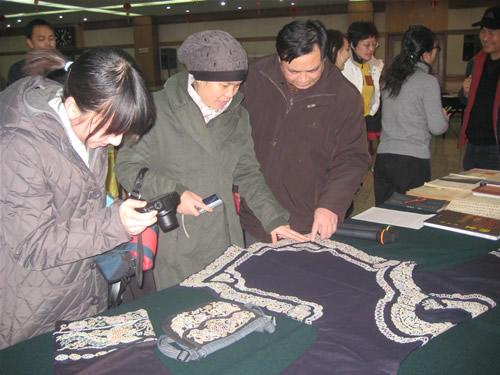 在京水族同胞欢度端节 中国民族宗教网 mzb
