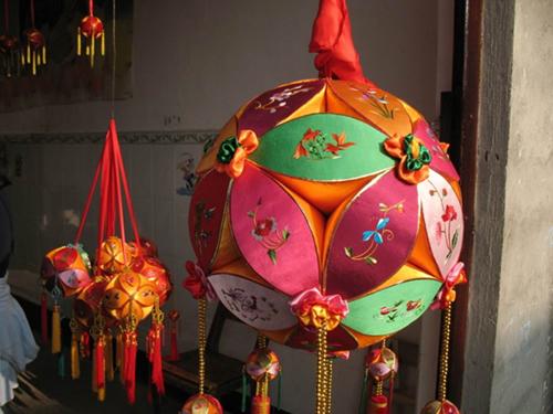 壮族绣球元素设计图