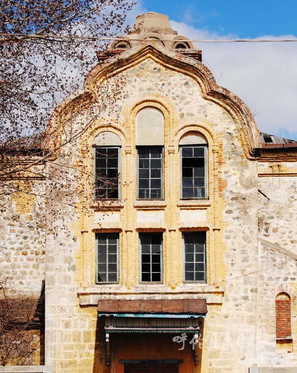 如今,在免渡河还能找到27所俄式建筑,均已被相关部门列入文物保护系列图片