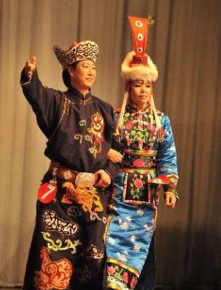 蒙古族传统服饰图片