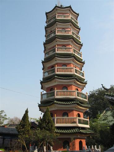 国恩寺重修后的报恩塔