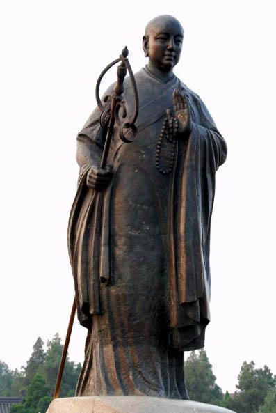西安大雁塔前的玄奘塑像