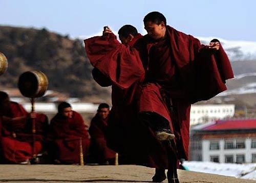 僧人在舞蹈-大美西藏 最令人震撼的图片