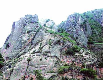 须弥山石窟 西望长安第一窟丝绸之路见证佛法东来