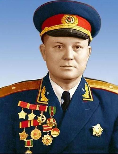"""1962年毛泽东批准""""叛逃""""的两名俄罗斯族少将-内蒙古名人"""