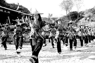 蓝田舞火狗 传承千年的瑶乡风景图 高清图片