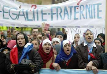 法国有500万穆斯林人口,大多来自非洲的法国前殖民地. 资料图片-