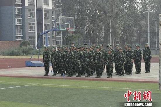 河北师范大学附属民族学院高中班2013级新生军训.摄影:李洋-156名