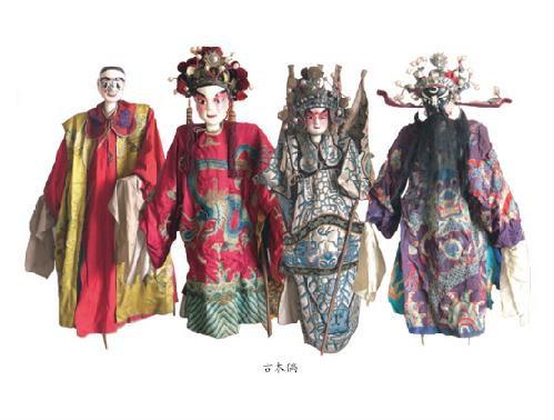 合并进了上海木偶剧团;还有的在如皋和泰县登记成为