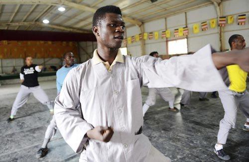 学习少林功夫-非洲5国20名 洋弟子 嵩山少林寺体验修行