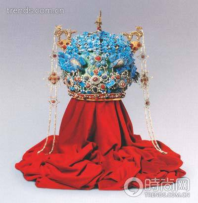 嫁衣民族风 盘点少数民族传统婚礼服饰