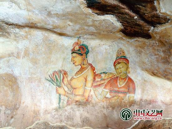 狮子岩上的古代宫廷壁画