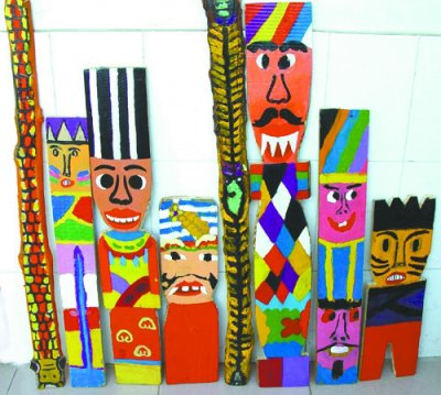 孩子们制作的木板画