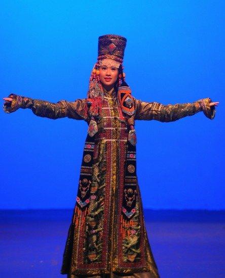 志愿者表演蒙古族服饰-多彩中华首秀,为G20增色图片