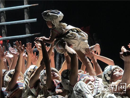 怒江/《傈僳人》是第一部反映傈僳族的大型原创舞蹈史诗,是怒江傈僳...