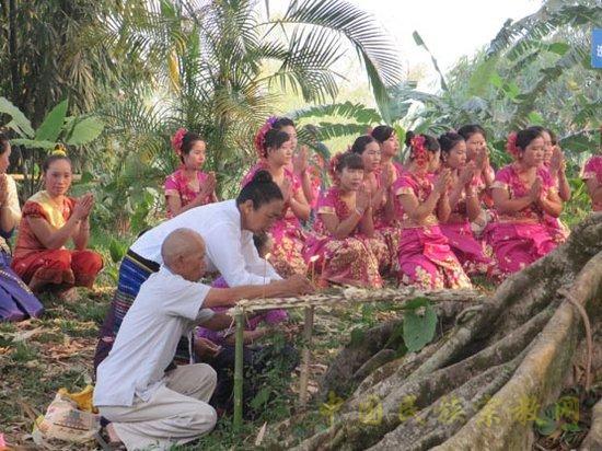 竜林,表现了其敬畏大自然的理念.资料图片-竜林 傣族人创造的 绿