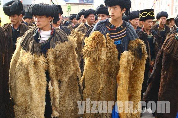 彝族传统服饰:穿在身上的历史