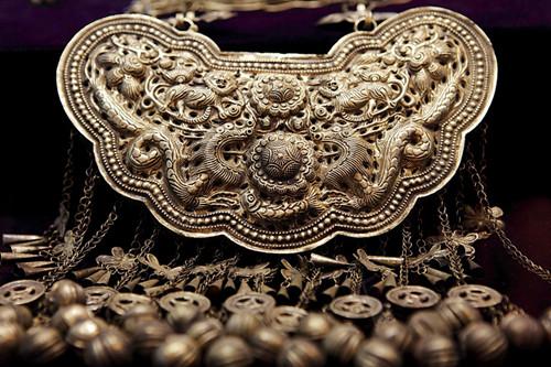 苗族银饰的文化价值