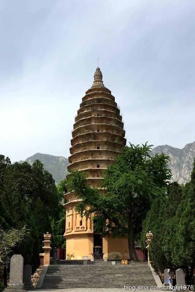 著名中国古代佛塔大盘点——嵩岳寺塔