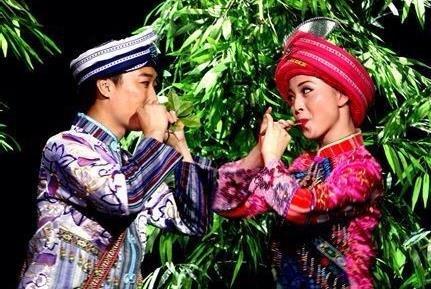 重庆酉阳土家族原生态的民俗:木叶情歌