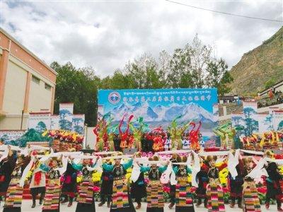 """洛扎第二届""""库拉岗日""""文化旅游节见闻"""