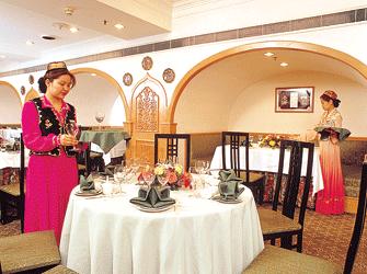 新疆餐厅_耶里夏丽新疆餐厅_新疆人