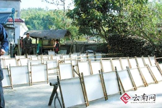 傣村造纸术 - 中国民族宗教网