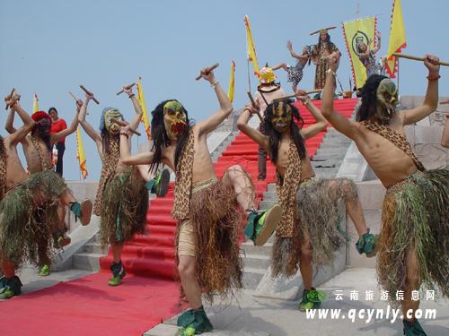 的祭天仪式. 资料图片-云南少数民族传统宗教信仰中的和谐思想